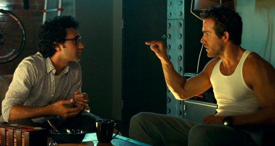 2011 年萊恩雷諾斯與塔伊加合作的《綠光戰警》