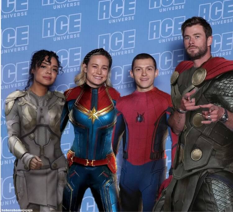 「女武神」泰莎湯普森 (Tessa Thompson) 、「小蜘蛛」湯姆霍蘭德 (Tom Holland) 、「驚奇隊長」布麗拉森 (Brie Larson) 以及「雷神索爾」克里斯漢斯沃 (Chris Hemsworth) 在 ACE 動漫展合影。