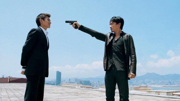 從香港電影發展出的「雙雄電影」,如 2002 年劉德華、梁朝偉主演的《無間道》。