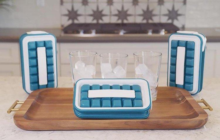 ICEBREAKER 不沾手輕鬆取用製冰器。