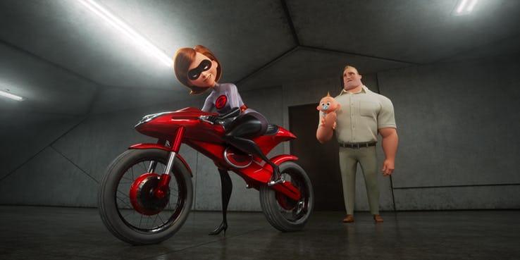 《玩具總動員 4》(Toy Story 4) 彈力女超人的彈力摩托車 (Elasticycle)。