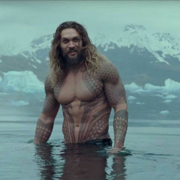 《水行俠》傑森摩莫亞的精壯身材有目共睹。