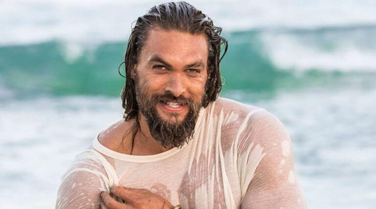傑森摩莫亞在《水行俠》獨立電影紅遍全球後,聲勢也跟著水帳船高。