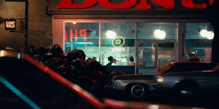 《小丑》(Joker) 裡的高譚市 (Gotham City),街道「很不平靜」。