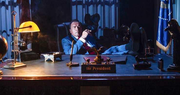 「魔鬼終結者」阿諾史瓦辛格在《功夫之怒 2》(Kung Fury 2) 中飾演總統的劇照公開。