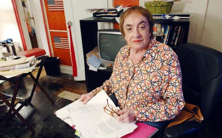 爭議女作家 李伊斯瑞爾 。