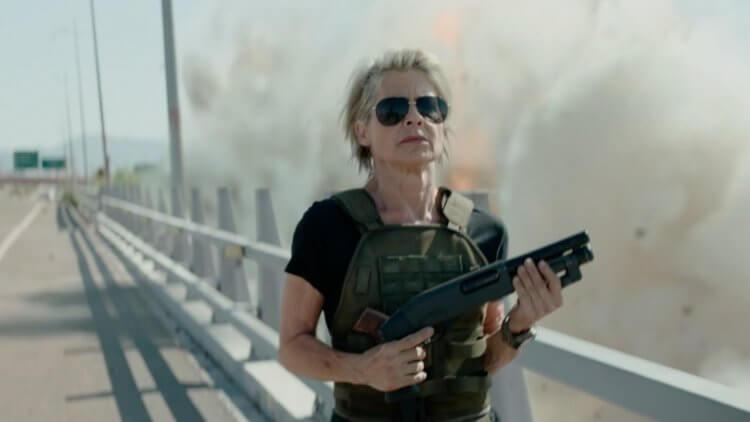62 歲老奶奶拒絕「再復活」莎拉康納 ?《魔鬼終結者:黑暗宿命》看琳達漢彌頓如何示範什麼叫老當益壯首圖