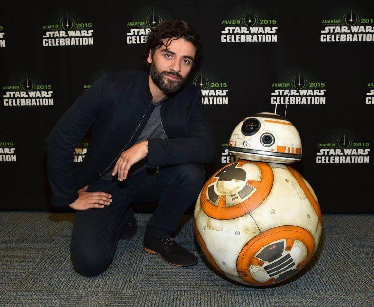 2015 年星戰慶典活動上的「波戴姆倫」與 BB-8。