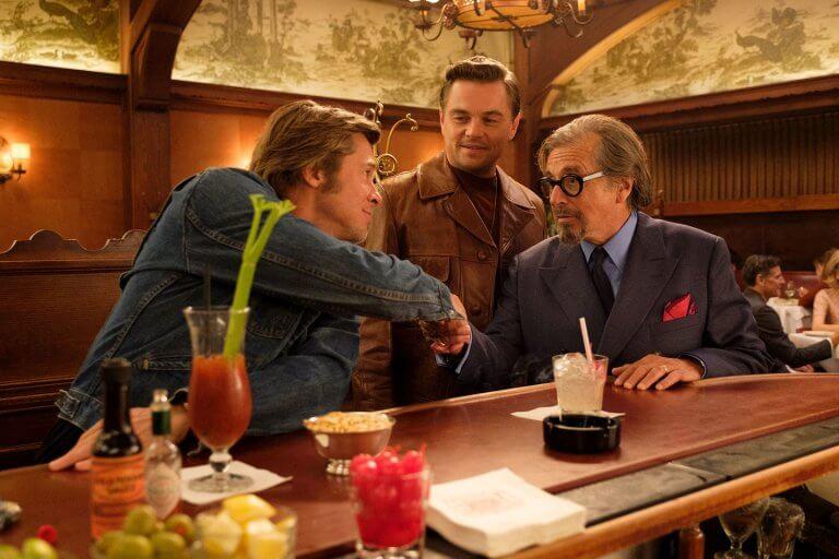 《好萊塢殺人事件》片中眾星雲集,艾爾帕西諾、布萊德彼特、李奧納多狄卡皮歐同台飆戲。