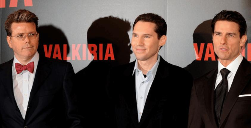 克里斯成為了《 行動代號 : 華爾奇麗雅 》的編劇兼監製