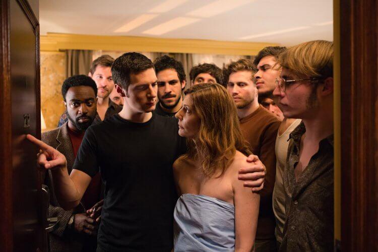 法國喜劇《戀愛倒帶中》(Chambre 212) 由名導克里斯多夫何內 (Christophe Honoré) 編導。