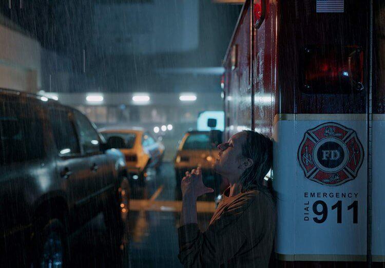 《隱形人》有演技派伊莉莎白摩斯的加持,為電影加分不少。
