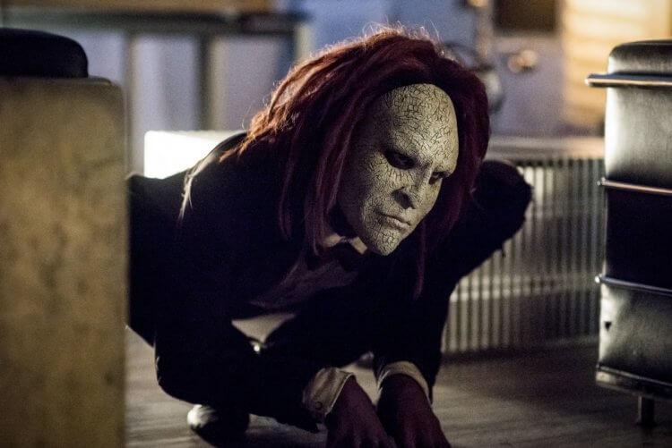 《閃電俠》第五季中的反派「布偶」以及《在黑暗中說的鬼故事》咆嘯人演員都是同一位,你想起來了嗎?