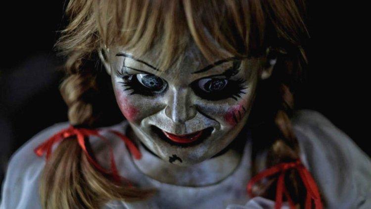《安娜貝爾回家囉》全新預告公開!「抓鬼專家」華倫夫婦首次對上凶惡邪靈娃娃首圖