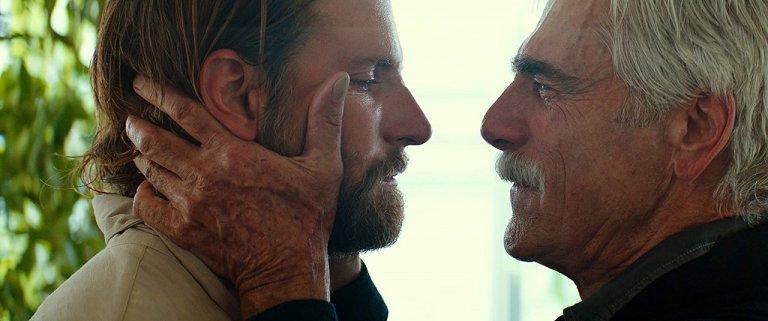不只是愛情,《一個巨星的誕生》片中 Jack 與哥哥間的親情也觸動觀眾。