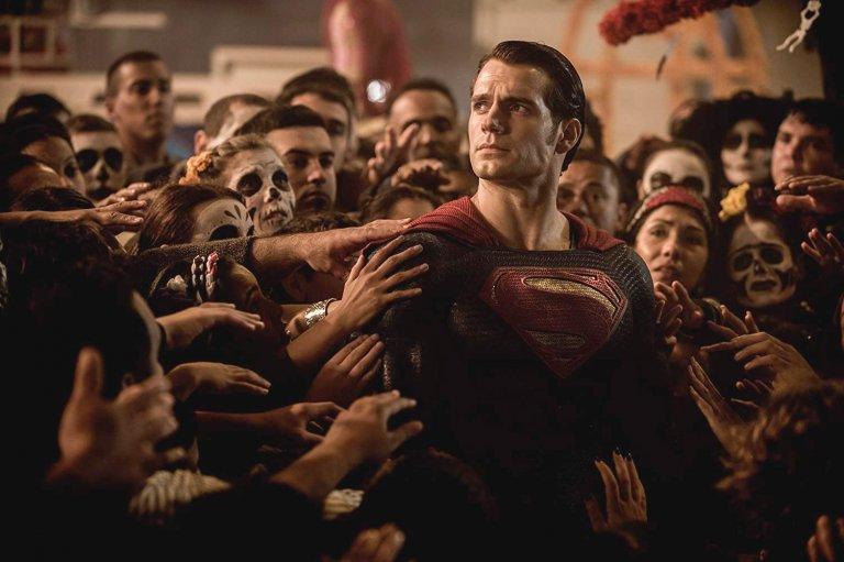 亨利卡維爾在《蝙蝠俠對超人:正義曙光》飾演超人,但華納還會讓他繼續擔此重任嗎?