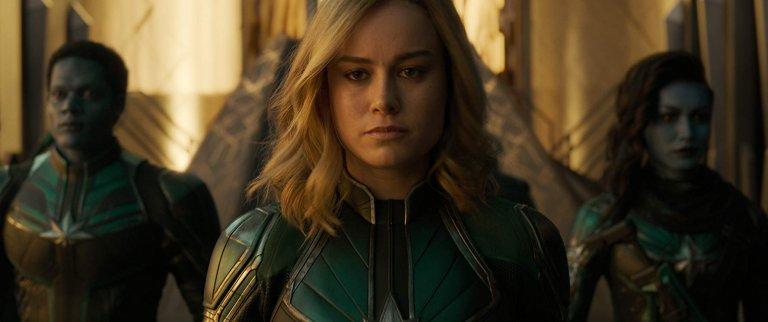 《驚奇隊長》片中的卡蘿丹佛斯(布麗拉森 飾)在與外星勢力戰鬥的同時,也逐漸尋回失去的記憶。