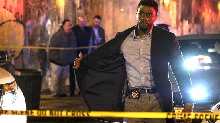 「黑豹」查德威克鮑斯曼《暴走曼哈頓》猛警緝凶不擇手段!全境封鎖曼哈頓,飛車槍戰抗陰謀