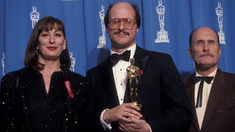 《沉默的羔羊》榮獲奧斯卡最佳改編劇本獎。