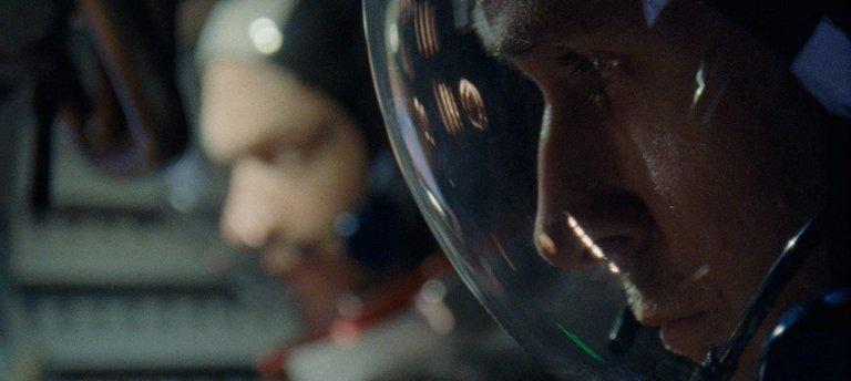 以傳記電影來說,《登月先鋒》四平八穩的呈現阿姆斯壯的生平事蹟。