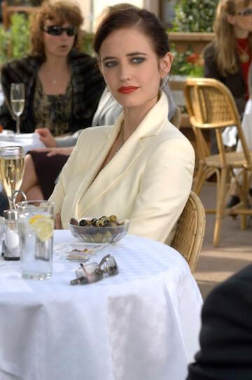 伊娃葛林在《007 首部曲:皇家夜總會》飾演的薇斯朋,這位角色也是唯一真正得到龐德真心對待的女性。