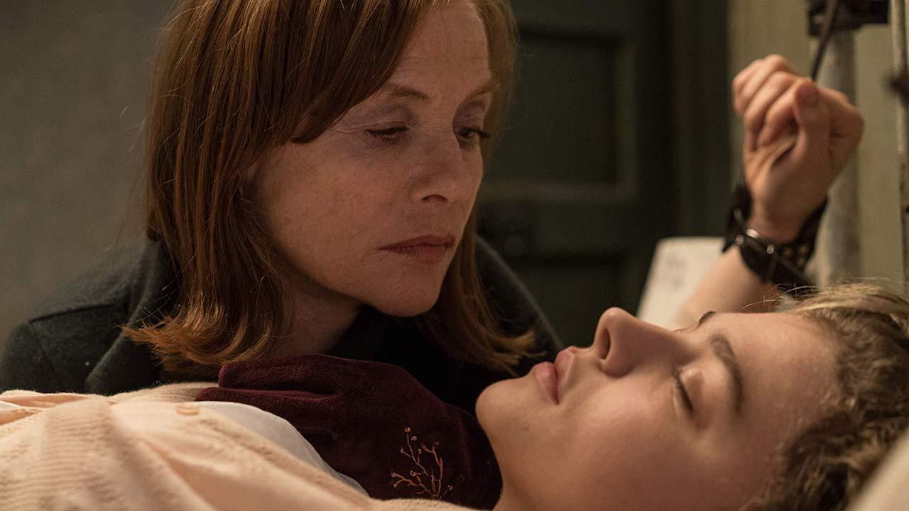 「占友慾」超強!超狂影后伊莎貝雨蓓新作《侵密室友》化身「超殺女」的恐怖閨蜜首圖