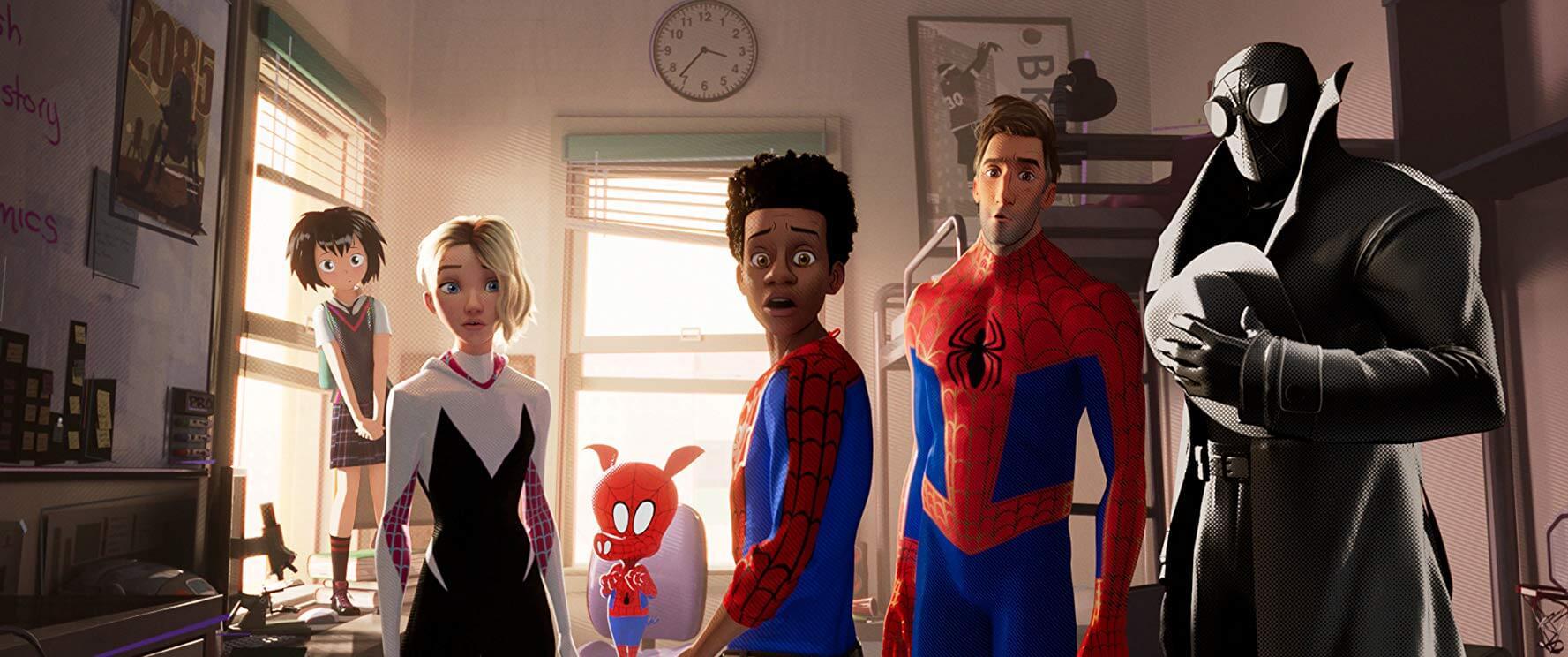 《蜘蛛人:新宇宙》映後好評不斷,成熟獨特的美術畫面,以及劇情中蜘蛛宇宙的延伸及英雄身分的傳承,皆是亮點。