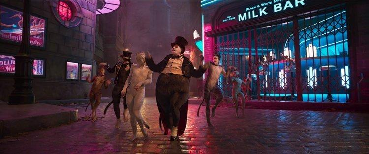 參與《貓》演出的詹姆士柯登 (James Corden) 近期受訪表示自己尚未看過電影。