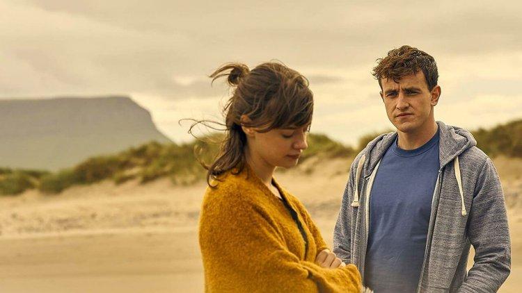 迷人的二十一世紀愛情故事!愛爾蘭影集《正常人》評價爆表,CATCHPLAY+ 7/3 上架首圖