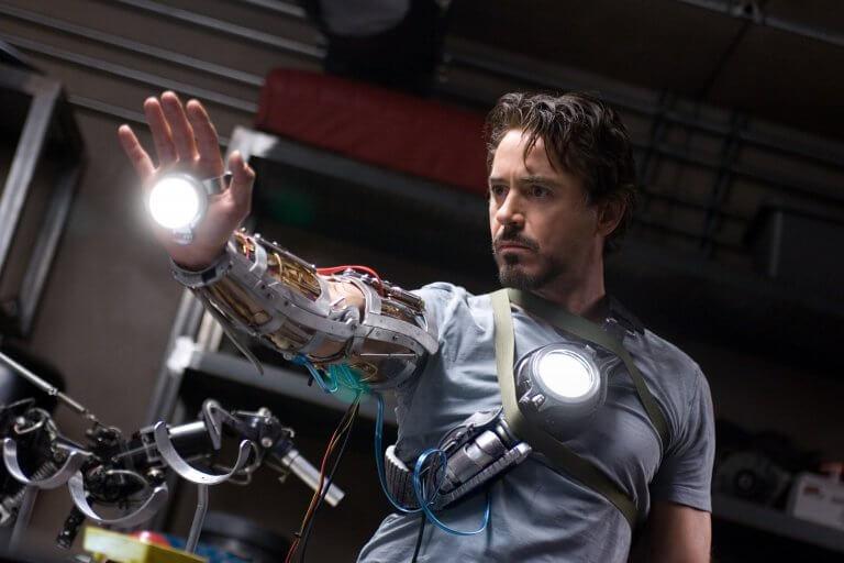 漫威電影宇宙 (MCU) 第一部電影《鋼鐵人》 (Iron Men)。