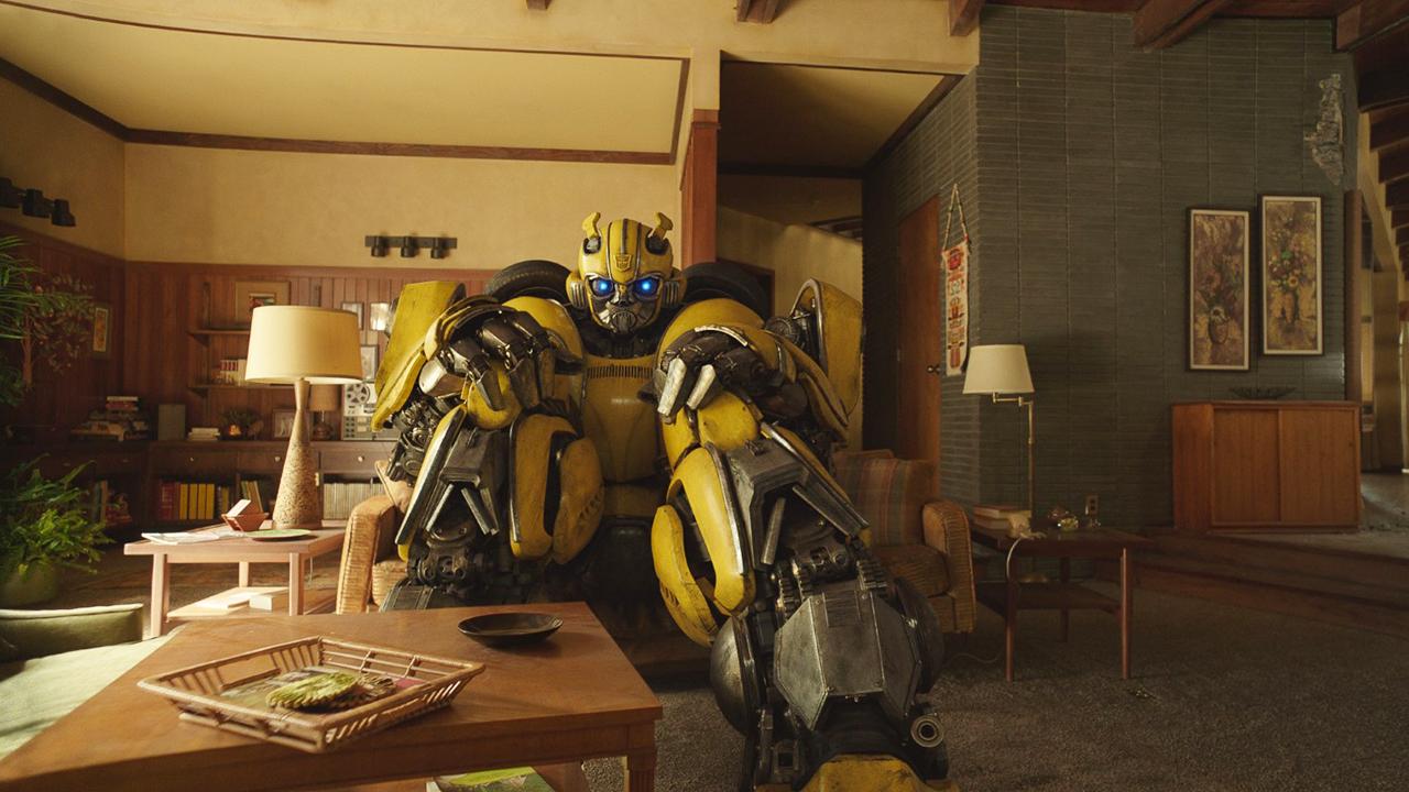 《大黃蜂》電影最新預告:客串的不只柯博文,還有「它們」!