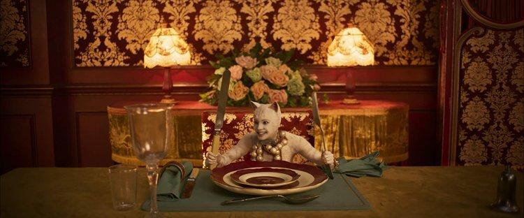 《貓 CATS》絕對是近年來詭譎的電影之一。