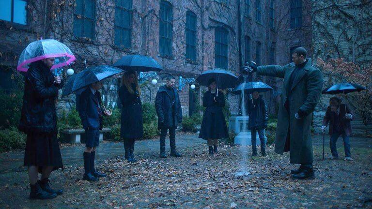 Netflix 超能英雄影集《雨傘學院》第一季劇照。