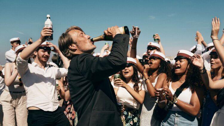 參考喝醉的俄羅斯人!「漢尼拔」麥斯米克森化身酗酒教師,以《醉好的時光》擁抱生活首圖