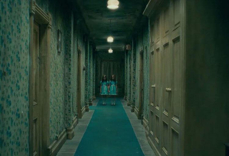 同樣改編自恐怖大師史蒂芬金的暢銷小說,電影《安眠醫生》(Doctor Sleep) 延續《鬼店》故事,將再度重現全景飯店的恐怖現場。