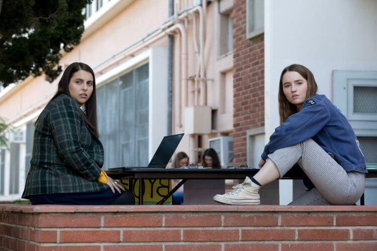 《A+ 瞎妹》是在 2019 年上映的美國校園青春喜劇。