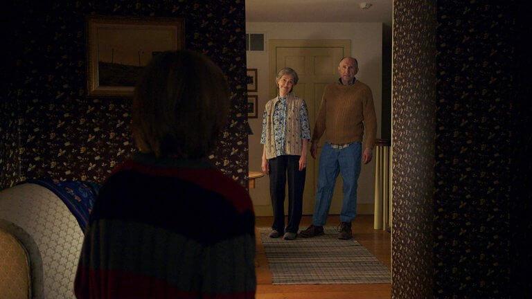 奈沙馬蘭編導,「布倫屋製片」傑森布倫加入行銷推手的 2015 年驚悚之作:《探訪》。