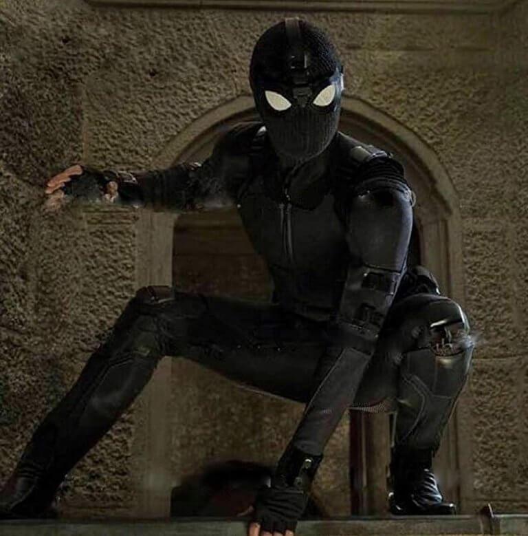 《蜘蛛人:離家日》預告中出現的黑色蜘蛛裝。