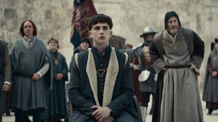 【線上看】「甜茶」提摩西夏勒梅將在 Netflix 全新原創電影《國王》演活亨利五世成王之路首圖
