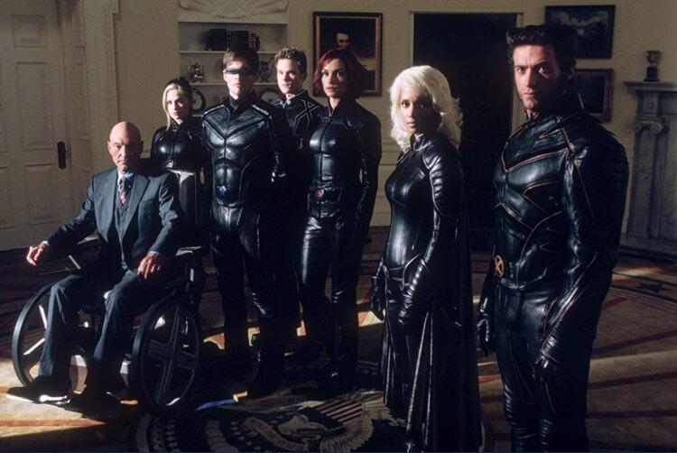 2000 年電影《X戰警》(X-men) ,變種人們全換上黑色緊身皮衣。