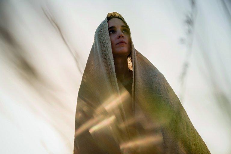 女星魯妮瑪拉以《龍紋身的女孩》《因為愛你》及《抹大拉的馬利亞》等片在影迷新中留下神祕氣質的印象。