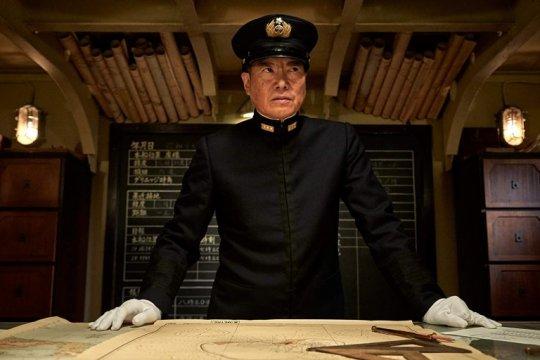 以第二次世界大戰太平洋戰爭的關鍵中途島戰役為背景的戰爭電影《決戰中途島》中,日本演員豐川悅司飾演日軍聯合艦隊總司令山本五十六。