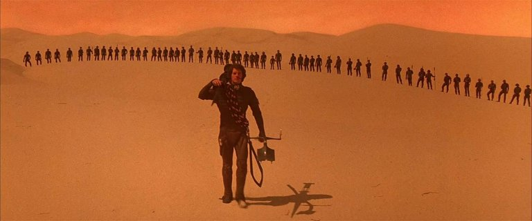 1985 年由大衛林區掌鏡執導的《沙丘魔堡》電影劇照。