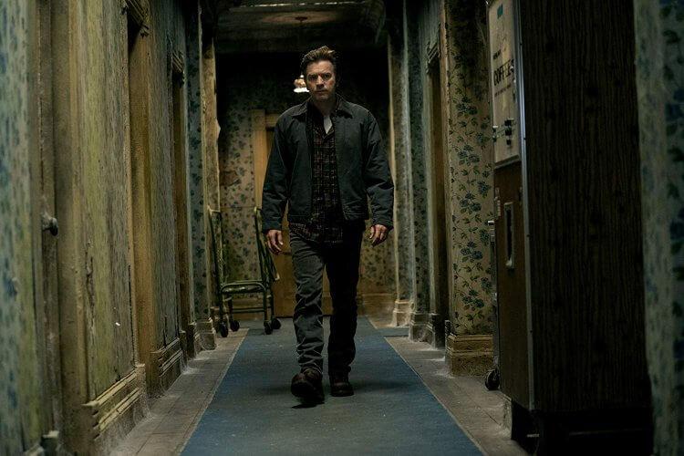 《安眠醫生》(Doctor Sleep) 中的伊旺麥奎格 (Ewan McGregor) 再次回到「全景飯店」