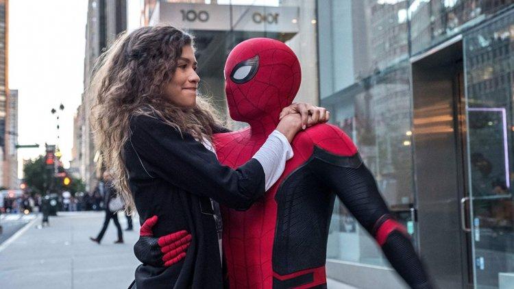 果然是你友善的好鄰居!不只《蜘蛛人:離家日》拯救世界,「小蜘蛛」湯姆霍蘭德戲外也要拯救粉絲首圖