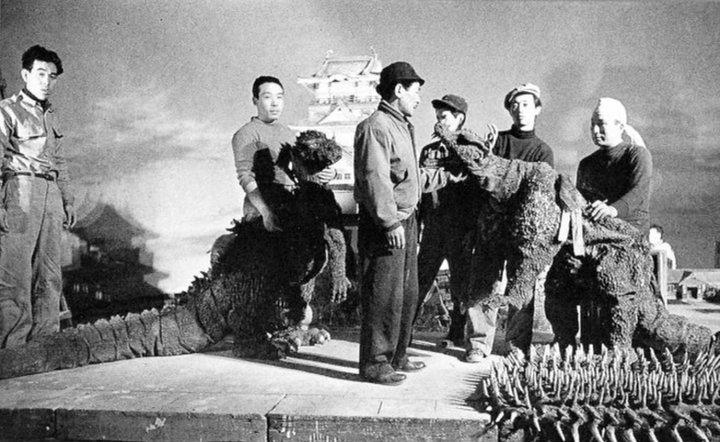 《 哥吉拉的逆襲 》是系列電影中製程最為緊迫的一部作品。