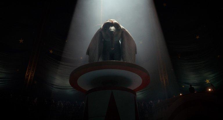 《小飛象》片中,會飛的幼象「Dumbo」立刻成為眾人焦點。