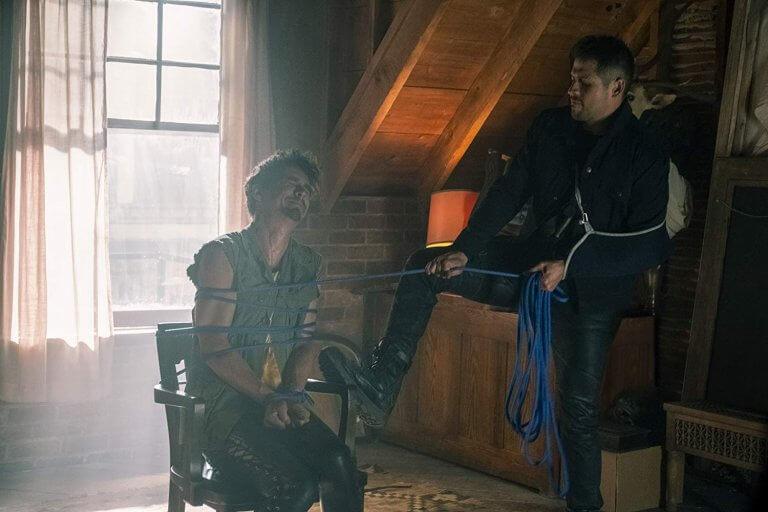 《雨傘學院》中,不只凡妮亞,克勞斯也被壓抑著自己的能力,但克勞斯所接受的訓練卻讓他更拒於使用能力。