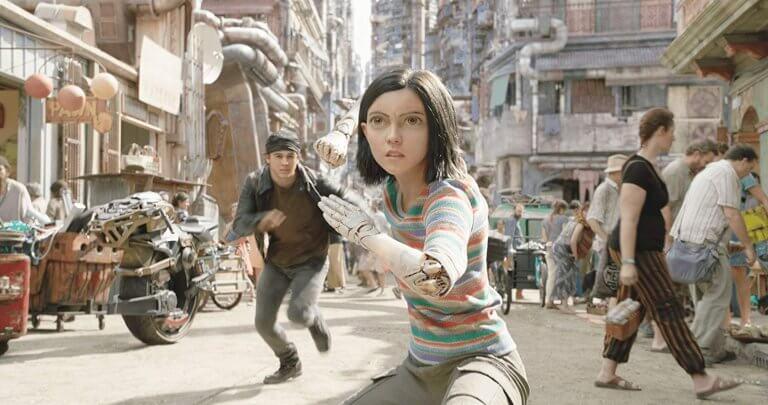 改編自日本漫畫《銃夢》的《艾莉塔:戰鬥天使》將充滿賽博龐克風格的科幻近未來呈現大銀幕。
