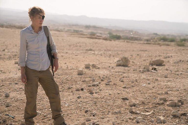 真人實事改編的傳記電影《私人戰爭》,由羅莎蒙派克飾演戰地女記者瑪麗。